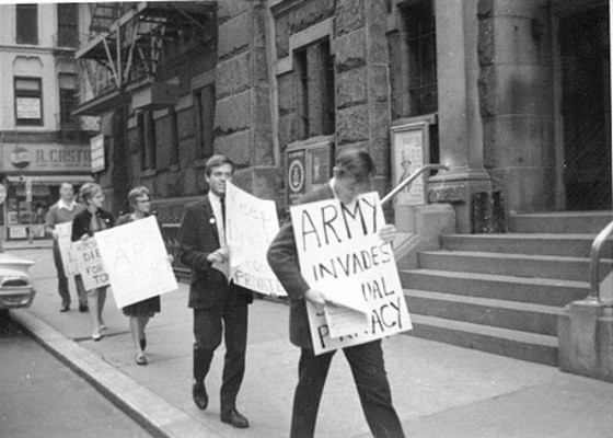 craig-rodwell-and-randy-wicker-at-u.s.-armys-whitehall-induction-center-september-1964
